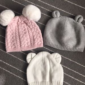 Baby girl lot of winter hats - The Gap